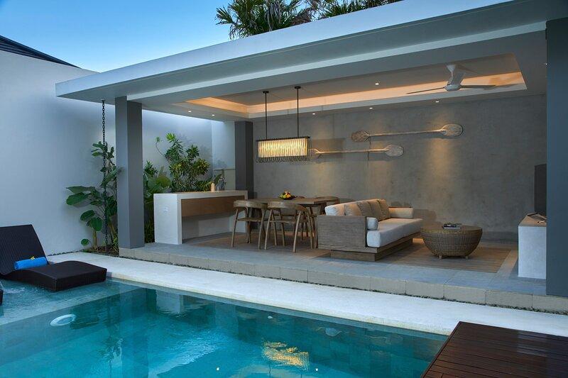 Pande Villa Sleeps 4 with Air Con - 5825047, casa vacanza a Cengiling