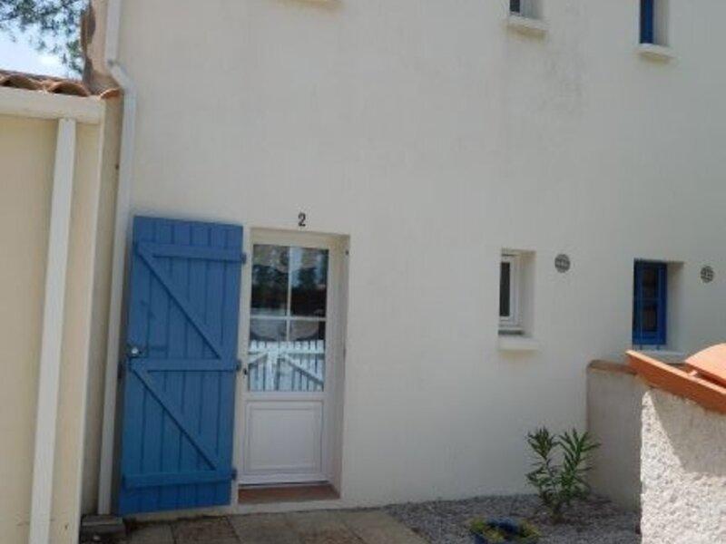 JOLIE MAISON DE VACANCES A PIED DE LA PLAGE, vacation rental in L'Aiguillon-sur-Mer