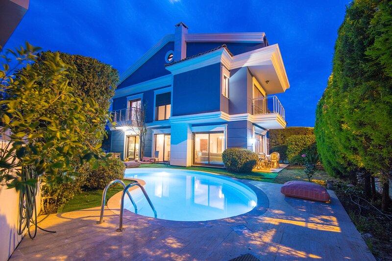 Villa Armut Marmaris Daily Weekly Rentals, holiday rental in Armutalan