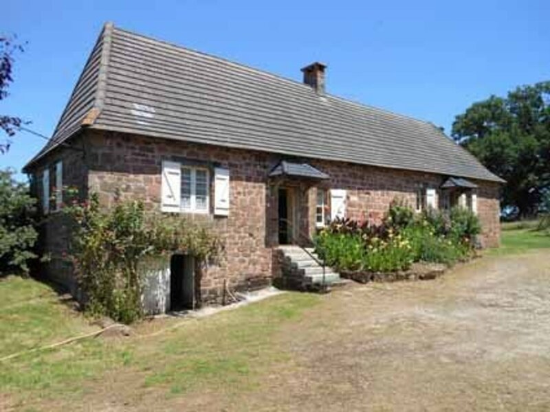 Location Gîte Villac, 5 pièces, 9 personnes, holiday rental in Saint-Robert