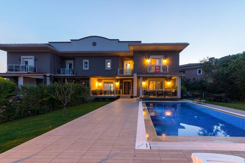 Villa Engin Marmaris Daiy Weekly Rentals, holiday rental in Armutalan