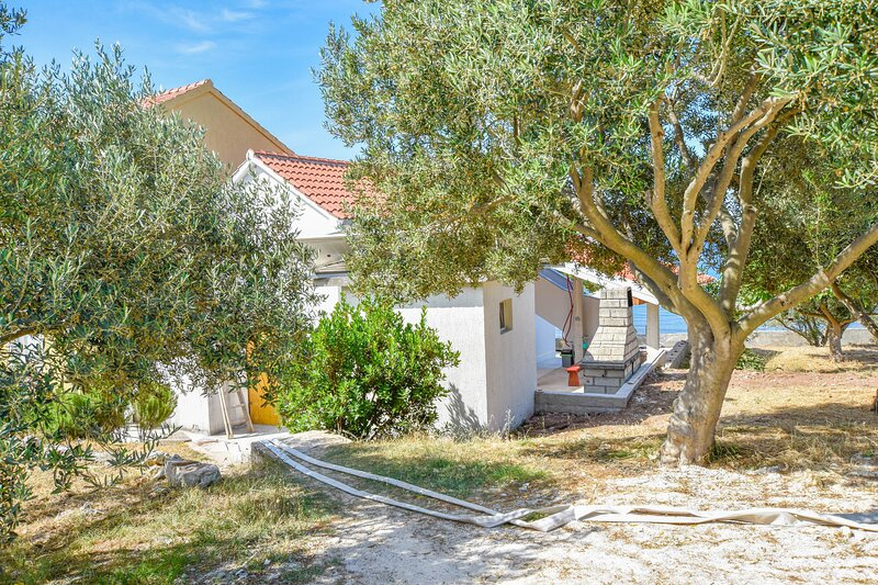 House Ahaz, holiday rental in Dobropoljana