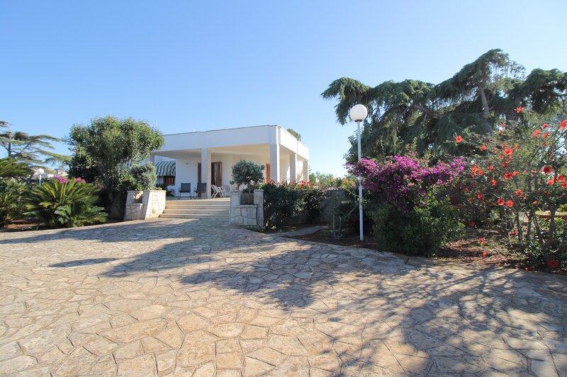 Villa vista mare - con veranda e giardino, casa vacanza a Macchia di Monte