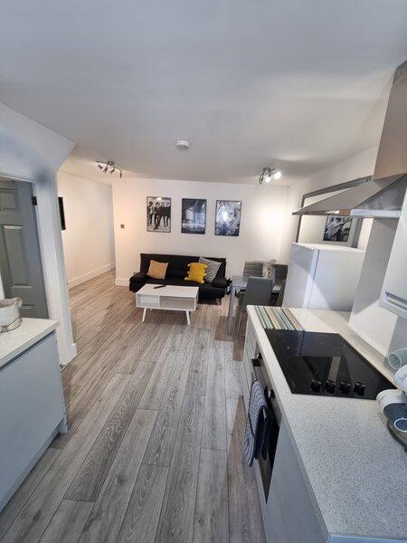 Captivating 2-Bed Apartment in Margate, aluguéis de temporada em Westgate-on-Sea
