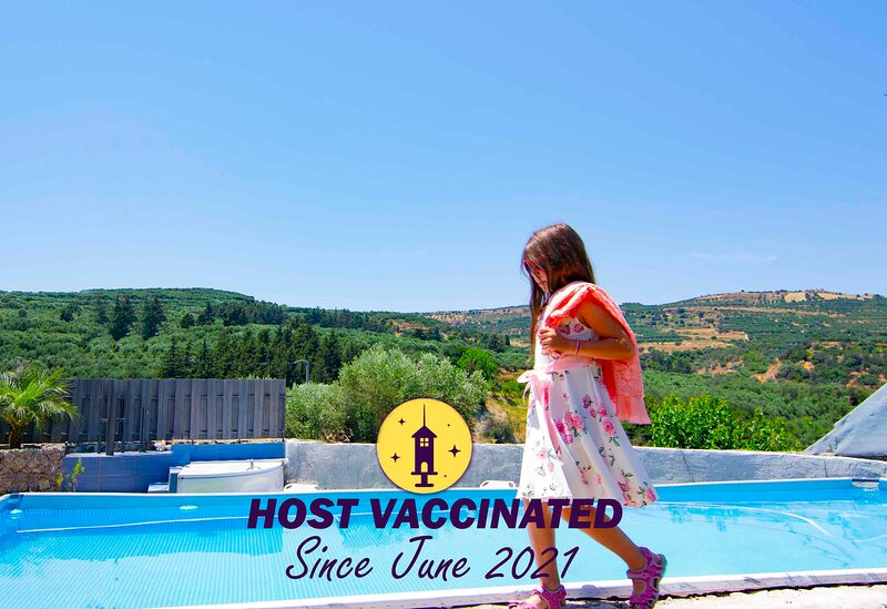 Villa Olive Tree with Private Pool & Jacuzzi, holiday rental in Kakopetros