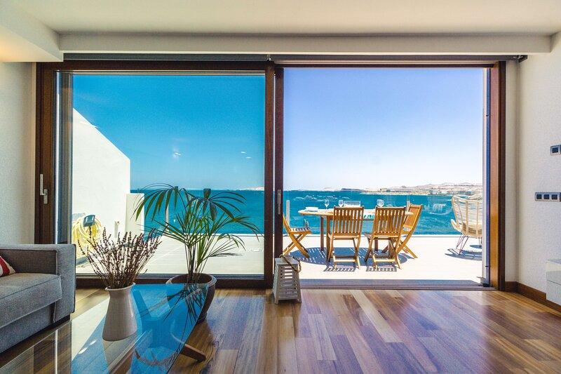 Top Views Melenara Beach Avenue Apartments Marea, aluguéis de temporada em Telde