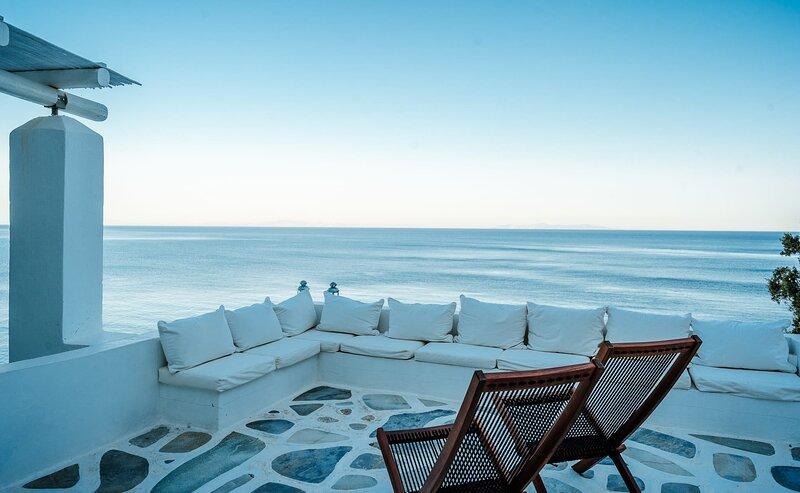 #HH03 SEAFRONT VILLA OVERLOOKING CHRYSOPIGI, vacation rental in Chrisopigi