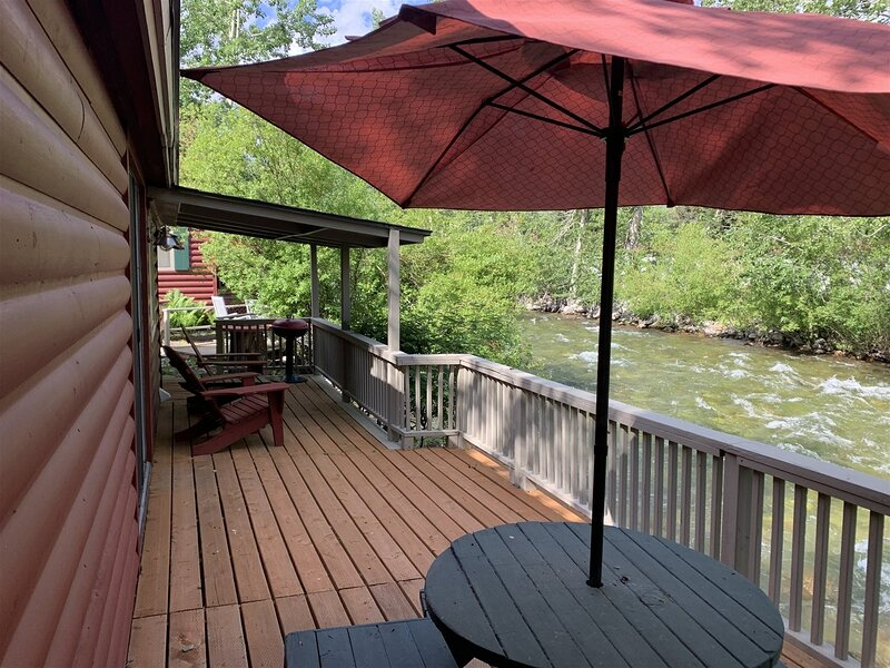 Great Location Creekside, Dog-Friendly with Wi-Fi and close to Downtown, vacation rental in Clark