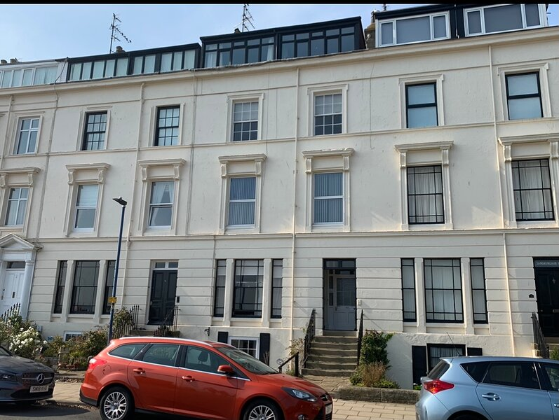 Seawards 2 bedroomed appt overlooking The Crescent Bandstand and Beach, holiday rental in Hunmanby