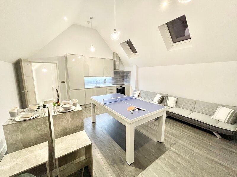 Penthouse Style Apartment - Pool Table - Netflix, alquiler vacacional en Harrow