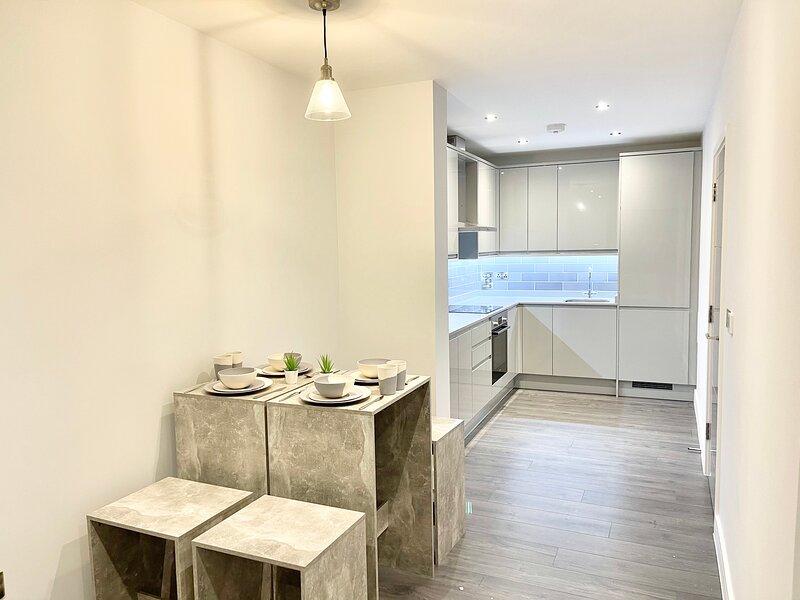 Apartment With Private Hot Tub & Garden, alquiler vacacional en Harrow
