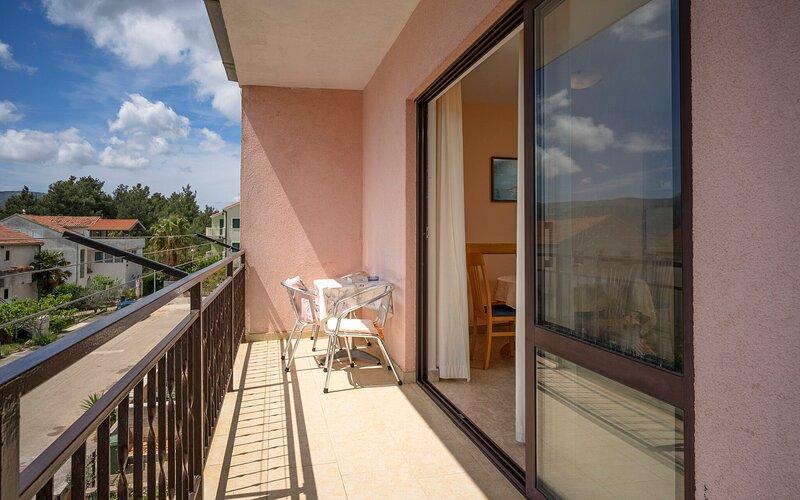 Apartments Zlata, holiday rental in Rudina