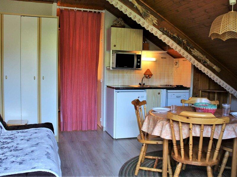 Appartement Studio coin montagne 4 couchages RISOUL 1850, vacation rental in Saint-Clement-sur-Durance