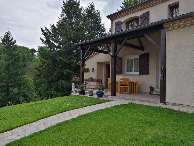 Sur les hauteurs de Graulhet, holiday rental in Lautrec