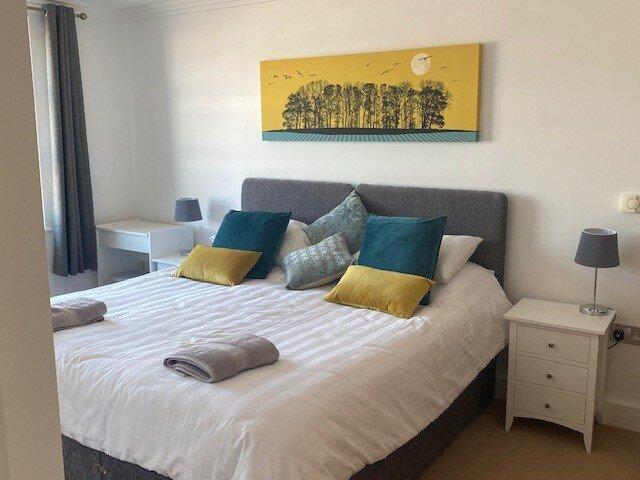 Homely Luxury Waterside Apartment, aluguéis de temporada em East Cowes