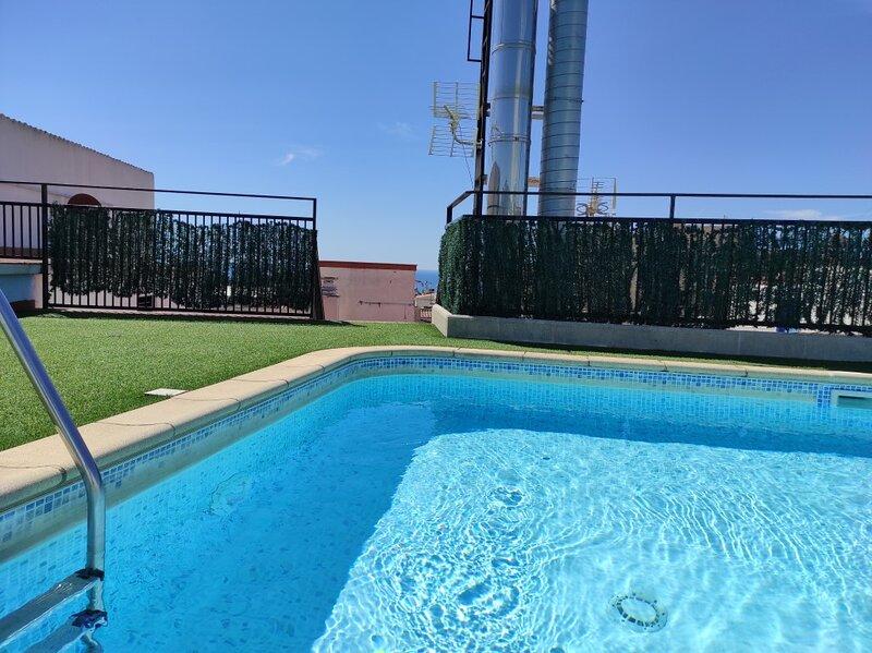 Fully renovated apartment with shared pool, aluguéis de temporada em Calella