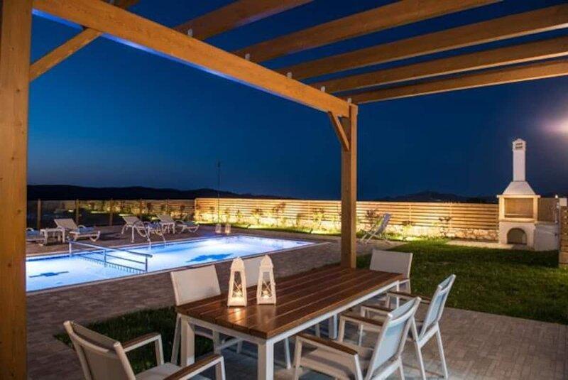 Villa Arismari- Unobstructed view, vacation rental in Milopotamos