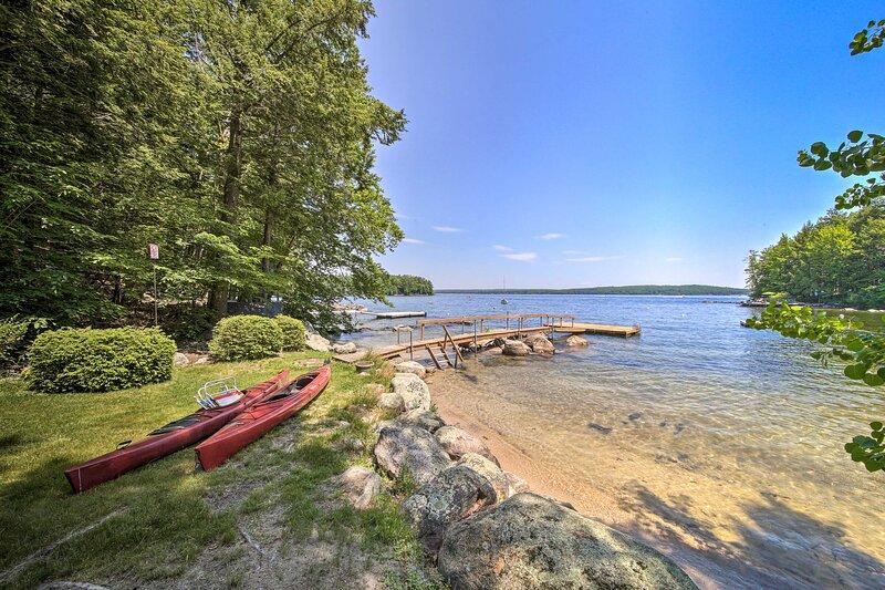 NEW! Sebago Lake Gem on Private Cove w/ Boat Dock!, casa vacanza a Raymond