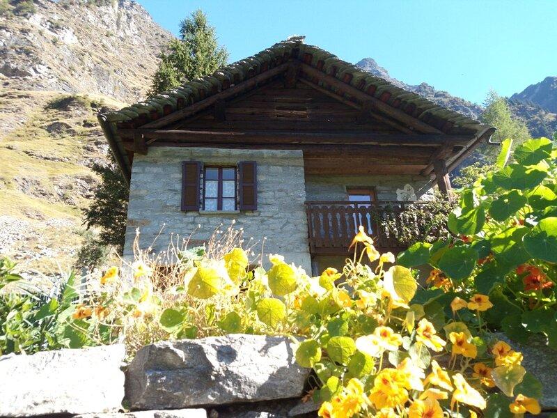 Affitto casa di vacanza Valle Malvaglia, Ferienwohnung in Malvaglia