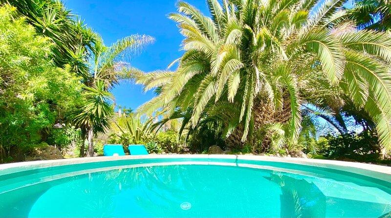 Exclusiva Villa costera con piscina privada., alquiler vacacional en San Juan de la Rambla