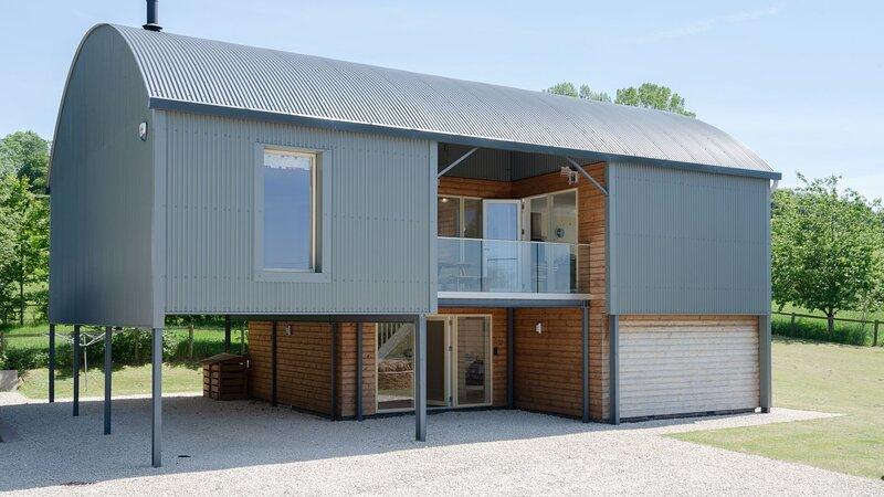 Hill View Rise, Weston Subedge - sleeps 8 guests  in 4 bedrooms, location de vacances à Weston Subedge
