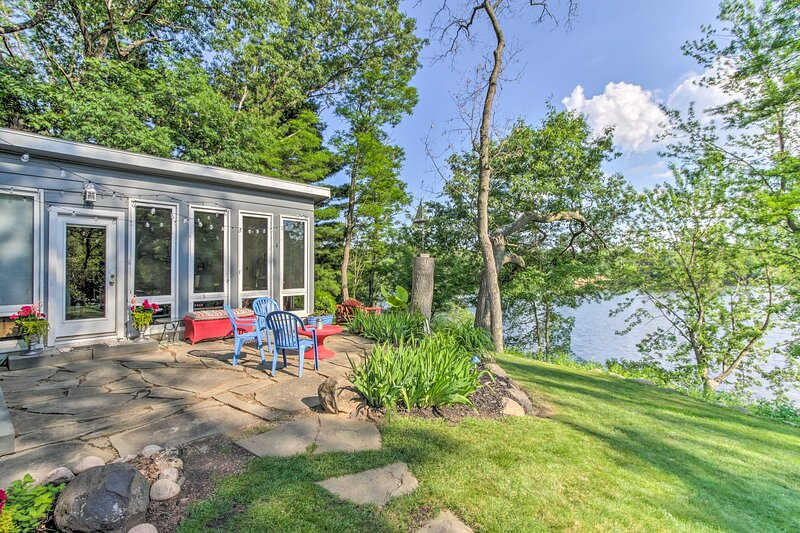 NEW! 'The Friendship Lakehouse' w/ Dock & Fire Pit, vacation rental in Friendship