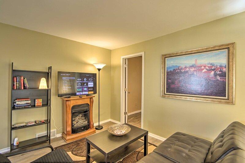 NEW! Royal Oak Hideaway: 15 Mi to Downtown Detroit, vacation rental in Lake Orion