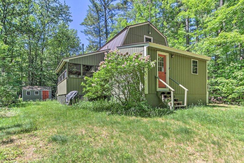 NEW! Home in Mt Washington Valley, Walk to River!, location de vacances à Glen