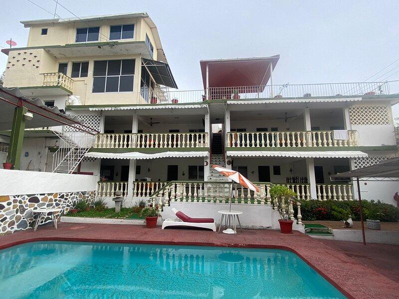 Apartamentos Carlani, holiday rental in Pie de la Cuesta