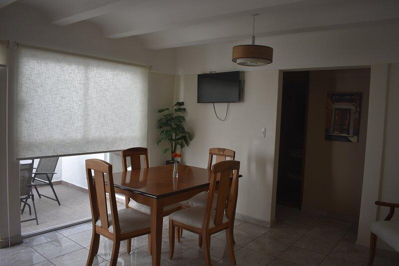 Moderno departamento con patio. Gran ubicación., casa vacanza a Aguascalientes