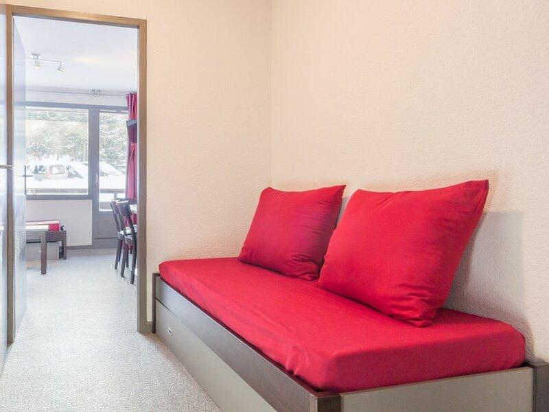 Appartement meublé pour 5 personnes, alquiler vacacional en Montalbert