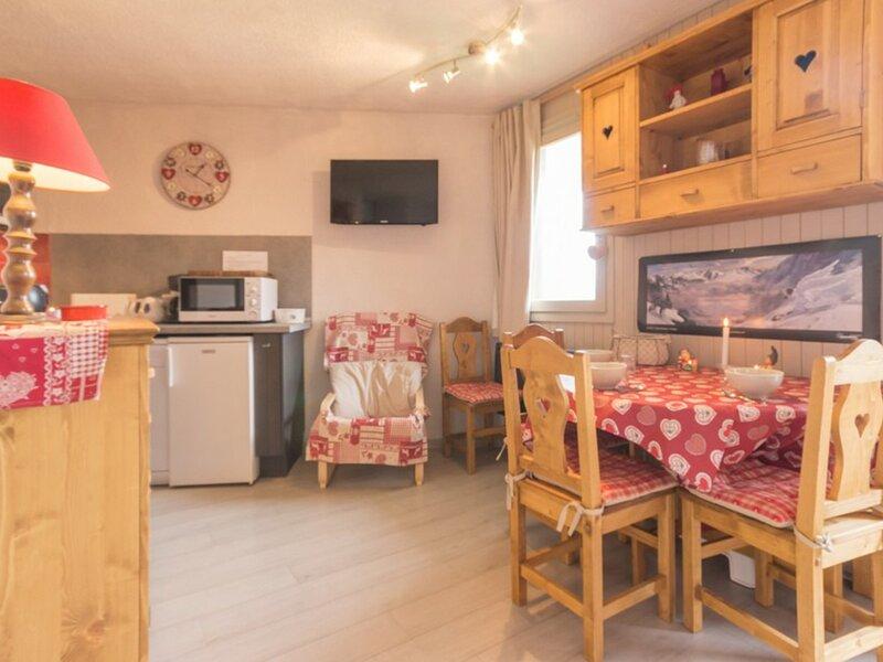 Studio cabine entièrement rénové, holiday rental in Landry