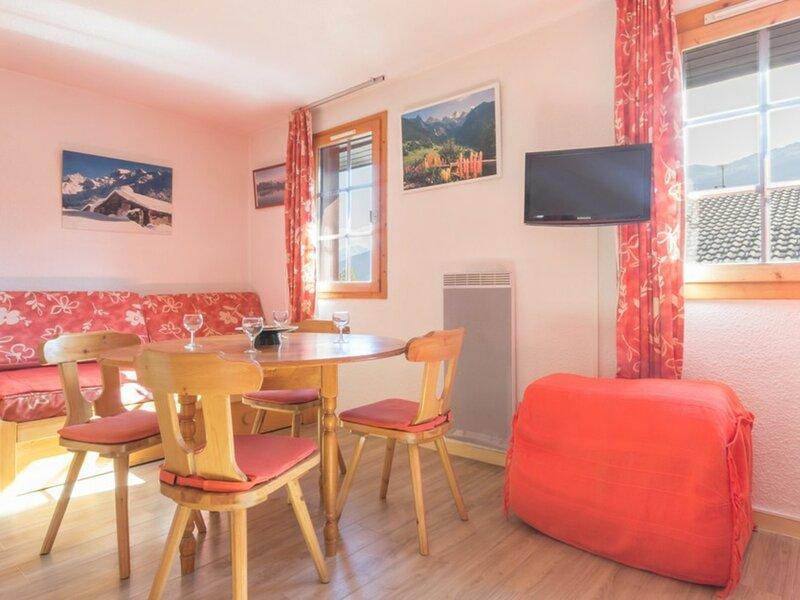 En plein coeur de Montchavin studio classé 2 étoiles et 2 cristaux Paradiski, holiday rental in Landry