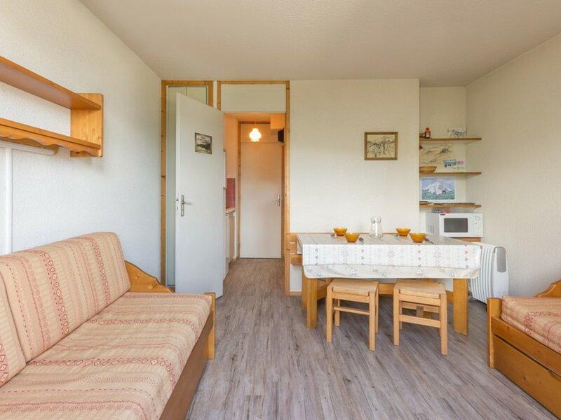 Joli petit studio bien équipé, holiday rental in Landry