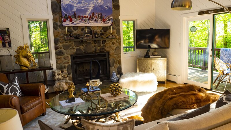 'Why Not' - A Gorgeous Designer Decorated  West Dover Home Located Next To Mt, holiday rental in South Newfane