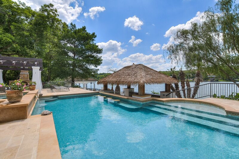 THE ABOVE CASA PARADISO ON LAKE AUSTIN, holiday rental in West Lake Hills