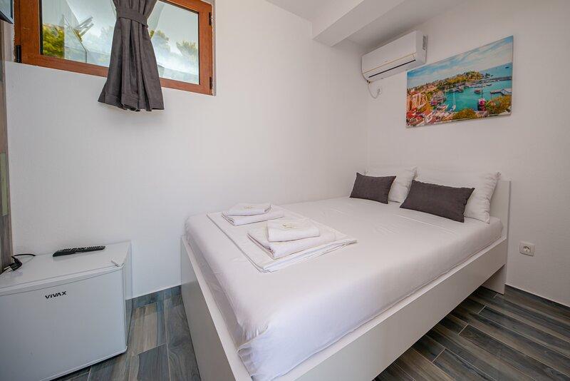 Green Pino - Double room, casa vacanza a Susanj
