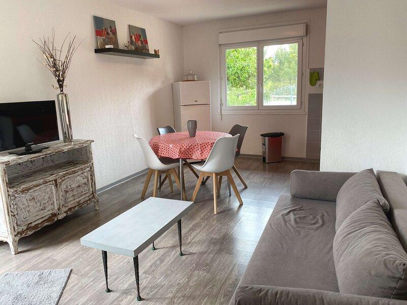 Appartement T2 - RUE DES CYSTES, location de vacances à Balaruc-le-Vieux