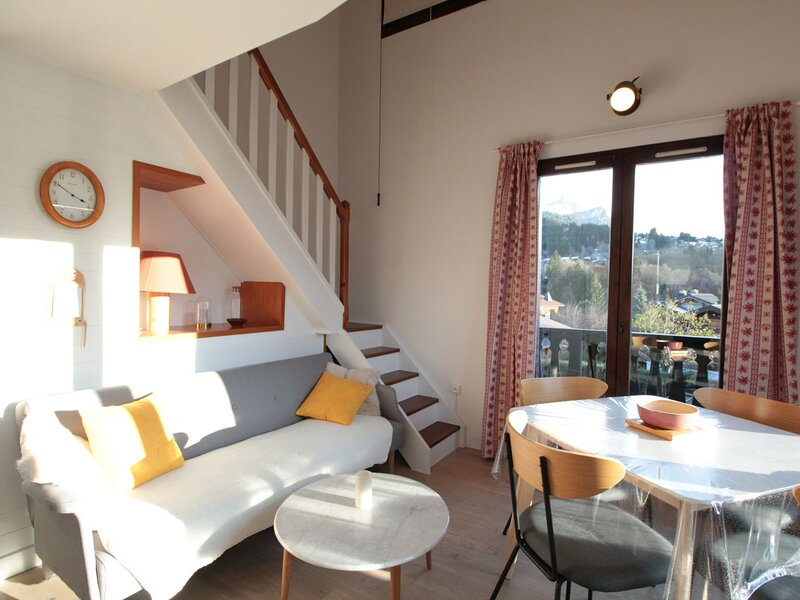 2pièces 4pers duplex avec magnifique vue, location de vacances à Magland