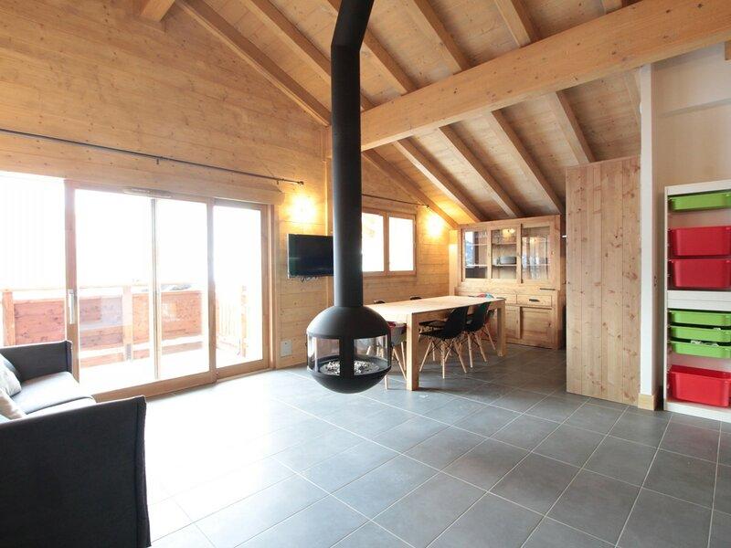 3Pièces 6pers au coeur du village : cheminée, wifi, garage, location de vacances à Magland