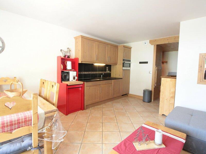 3pièces + cabine 8pers cosy : garage au coeur du village, alquiler de vacaciones en Les Carroz-d'Araches