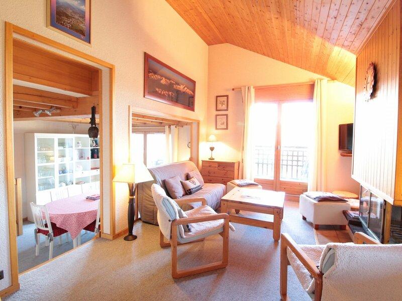 4pièces 8pers proche des pistes, alquiler de vacaciones en Les Carroz-d'Araches