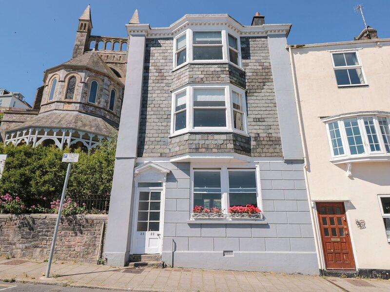 TOB Flat 1, 32 Newcomen Road, Dartmouth, holiday rental in Kingswear