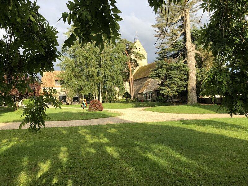 Le Prieuré de Bazainville, holiday rental in Saint-Lubin-de-la-Haye
