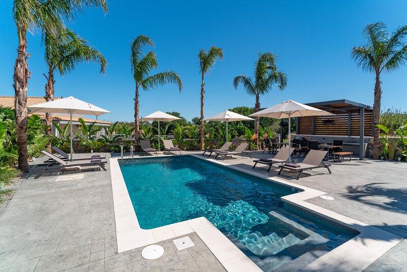Palmeral Luxury Suites - Robelini First Floor, holiday rental in Petaloudes