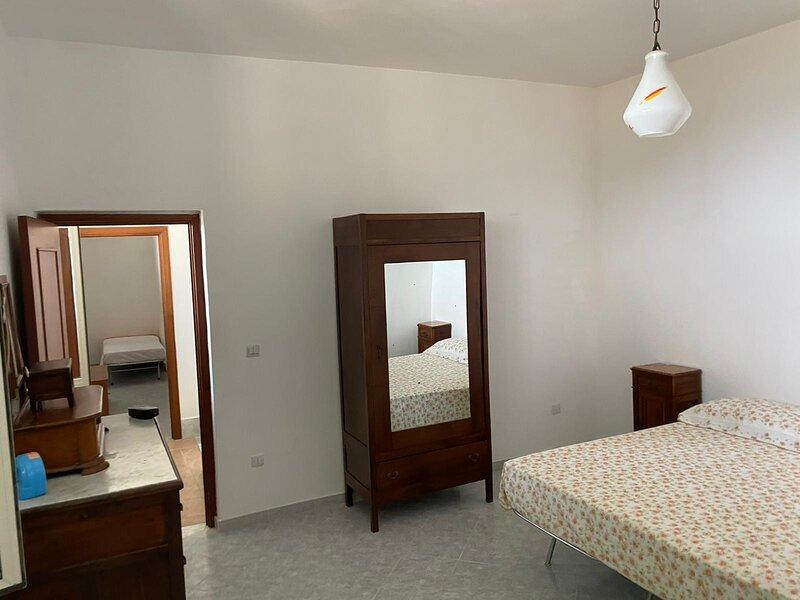 Affittacamere Italy Construction - Villa Rosa, vacation rental in Lustra