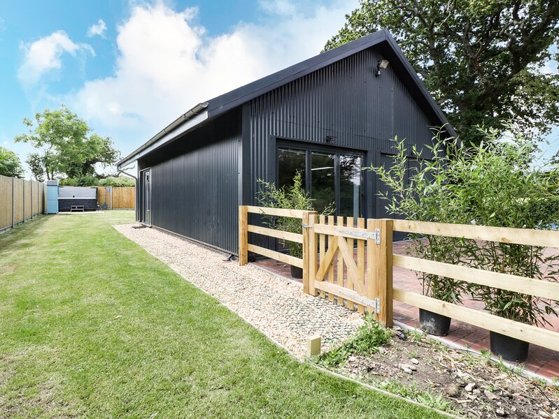 1 Bury Farm Cottage, Marchwood, vacation rental in Wellow