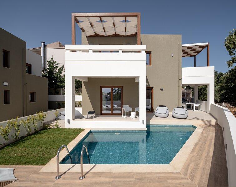 De.Light Boutique Villa III, a fine retreat!, holiday rental in Atsipopoulo