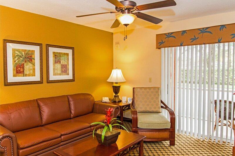 Spacious Villa Between Universal & Disney w/ Heated Resort Pools & Free Parking, holiday rental in Bay Lake