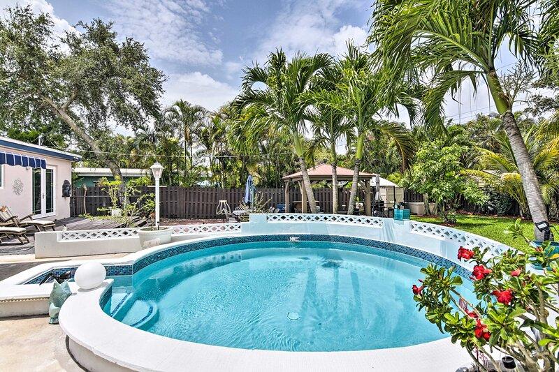 NEW! Modern Tropical Paradise w/ Backyard Oasis!, holiday rental in Dania Beach